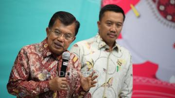Wakil Presiden Indonesia, Jusuf Kalla dalam jumpa pers usai rapat Asian Games 2018 di Kantor Kemenpora.