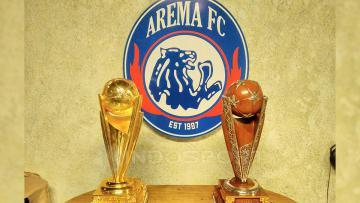 Trofi Piala Presiden 2017 yang diraih Arema FC.