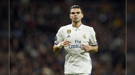 Bek tengah Real Madrid, Pepe - INDOSPORT