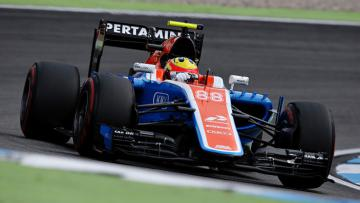 Rio Haryanto saat masih memperkuat Manor Racing musim lalu.