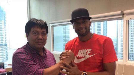 Luis Carlos Junior saat diperkenalkan oleh Persija Jakarta. - INDOSPORT