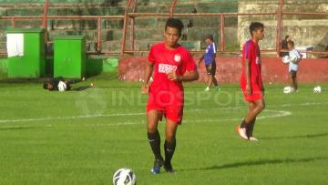 Nur Hidayat, penggawa PSM Makassar.