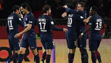 Skuat PSG rayakan gol yang dicetak Julian Draxler.