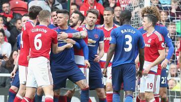 Insiden keributan sempat pecah di laga antara Middlesbrough melawan Man United.
