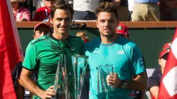 Roger Federer dan Stan Wawrinka berpose usai final Indian Wells 2017.