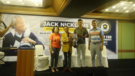 Dina Achmad Sungkar, Edwin Abeng, Pedro Limardo, dan Angga Maliq & D' Essential selaku Brand Ambassador Jack Nicklaus Indonesia. - INDOSPORT