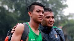 Indosport - Duo wonderkids Persib Bandung, Febri Hariyadi dan Gian Zola di Timnas Indonesia U-22.