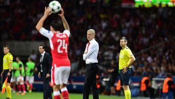 Hector Bellerin merasa berhutang budi dengan Arsene Wenger.