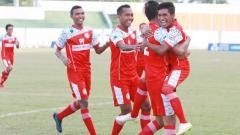 Indosport - Selebrasi para pemain Martapura FC.
