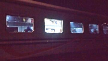 Kereta Api yang ditumpangi The Jak Mania usai diserbua Bobotoh.