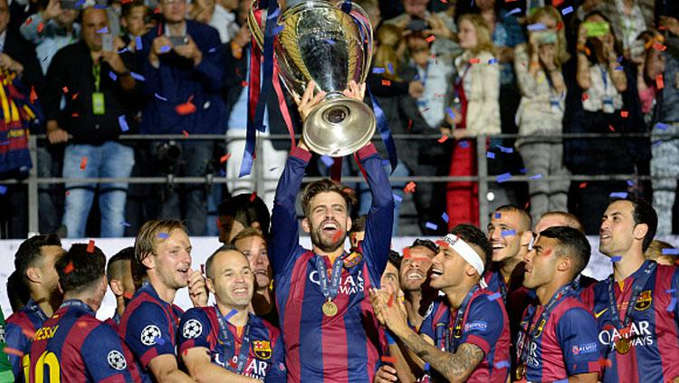 Selebrasi pemain Barcelona saat juara Liga Champions. Copyright: Bob Thomas/Popperfoto/Getty Images