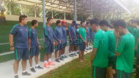 Penggawa Timnas U-19 Indonesia saat akan memulai jalani latihan.