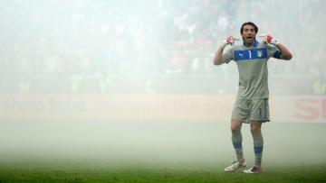 Gianluigi Buffon kalahkan Iker Casillas sebagai kiper paling banyak bermain bagi Timnas.
