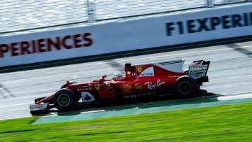 Sebastian Vettel tercepat dalam sesi latihan bebas ketiga di Sirkuit Melbourne, Australia.