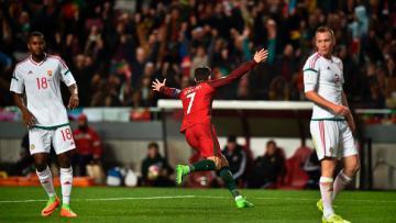 Ronaldo merayakan golnya ke gawang Hungaria.