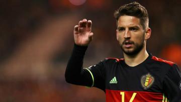 Bintang Belgia, Dries Mertens dalam laga melawan Yunani di kualifikasi Piala Dunia 2018 zona Eropa Grup H.