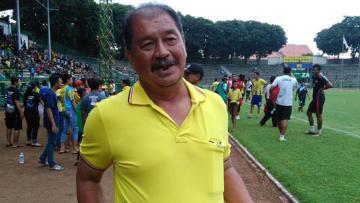 Pelatih Perserui Serui, Yusak Sutanto.
