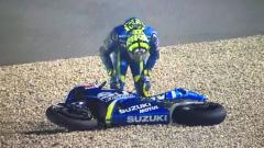 Indosport - Andrea Iannone saat mengalami insiden.