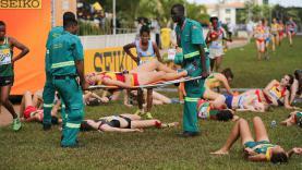 Puluhan peserta lomba lari di Uganda tidak sadarkan diri akibat cuaca panas.