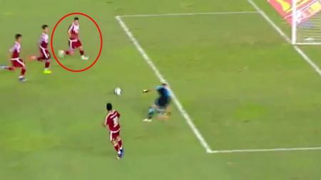 Pemai River Plate, Tomas Andrade gagal memanfaatkan kesempatan emasnya untuk cetak gol. - INDOSPORT