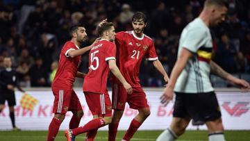 Pemain Rusia melakukan selebrasi setelah membobol gawang Belgia.
