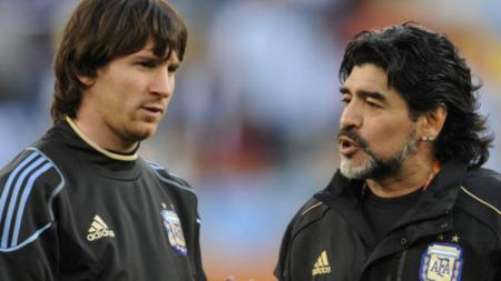 Diego Maradona dikabarkan menjadi dalang di balik pemberian hukuman Lionel Messi. - INDOSPORT