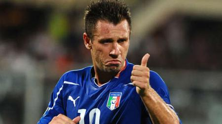 Mantan penyerang Timnas Italia, Antonio Cassano, sebut AC Milan berisi pemain medioker - INDOSPORT