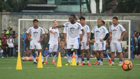 Persib Bandung akan menggelar launching tim pada hari ini. - INDOSPORT