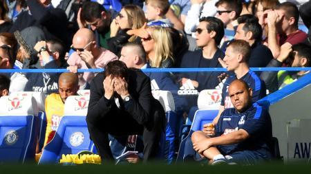 Antonio Conte terlihat frustasi karena gagalnya berbagai peluang anak asuhnya saat melawan Crystal Palace. - INDOSPORT