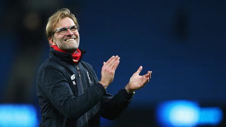 Jurgen Klopp menanggapi positif kekalahan Liverpool dari Napoli di laga perdana penyisihan grup Liga Champions musim ini. Alex Livesey/Getty Images. - INDOSPORT