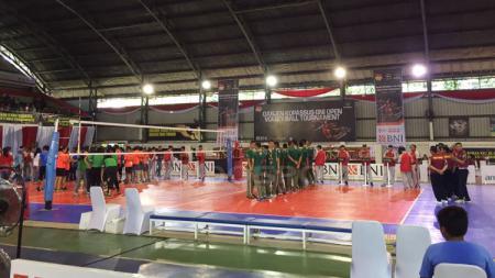 Turnamen Danjen Kopassus BNI Volley Ball merupakan salah satu rangkaian acara menyambut HUT Kopassus yang ke-65. - INDOSPORT