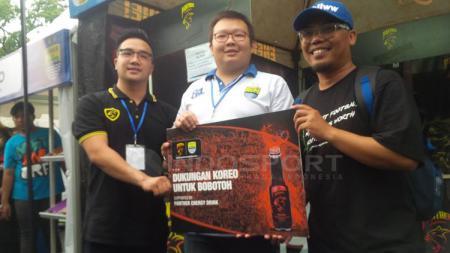 Bobotoh mendapat bantuan dari Panther Energy selaku salah satu sponsor Persib Bandung di Liga 1 nanti. - INDOSPORT
