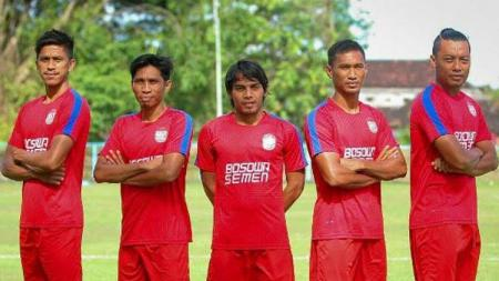 5 Kapten PSM Makassar, Hamka Hamzah, Ardan Aras, Syamsul Haeruddin, Rasyid Bakrie, dan Zulkifli Syukur. - INDOSPORT