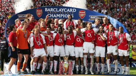 Arsenal saat menjuarai Liga Primer Inggris musim 2003/04 - INDOSPORT