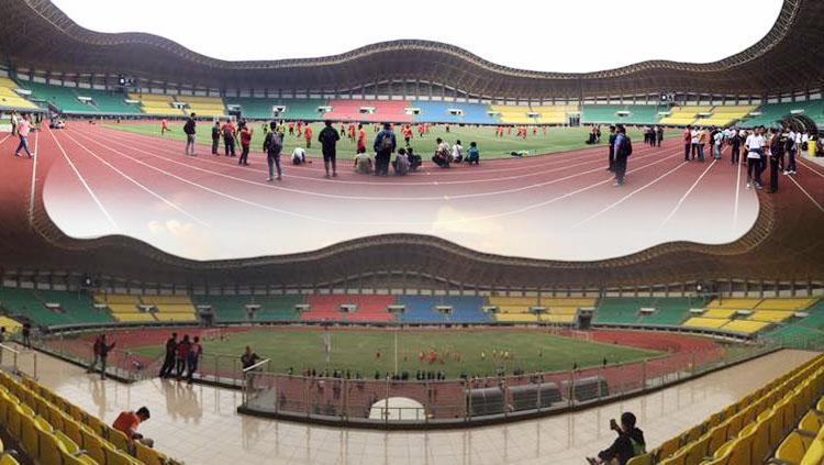Persija Jakarta uji coba lapangan Stadion Patriot, Bekasi. Copyright: Muhammad Adiyaksa/INDOSPORT