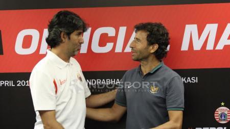 Stefano Cugurra Teco dan Luis Milla dalam jumpa pers Timnas U-22 vs Persija Jakarta. - INDOSPORT
