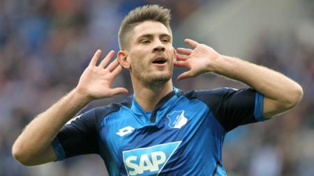 Andrej Kramaric menjadi pahlawan saat mencetak gol pembuka untuk Hoffenheim. - INDOSPORT