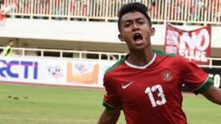 Febri Hariyadi dalam balutan seragam Timnas Indonesia. - INDOSPORT