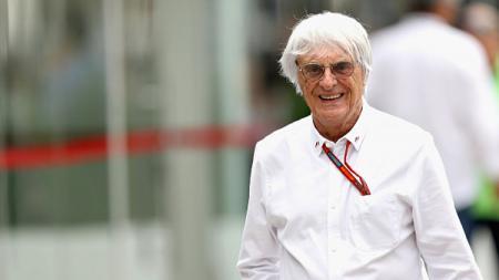 Mantan bos Formula 1 (F1), Bernie Ecclestone membagikan tips khusus usai merayakan kelahiran putra pertama di usia 89 tahun. - INDOSPORT