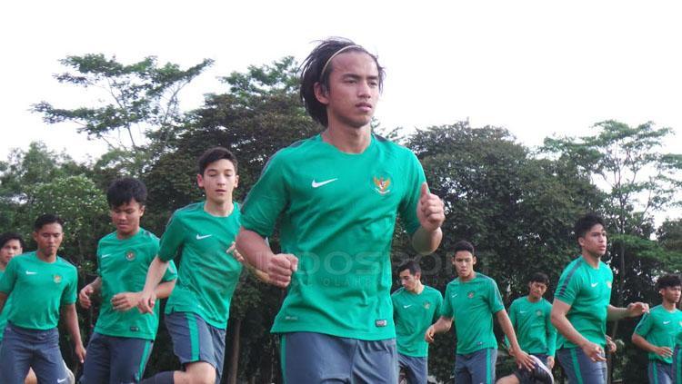 Timnas U-19 jalani latihan. Copyright: Zainal Hasan/INDOSPORT