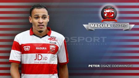 Peter Odemwingie berhasil menciptakan gol debut untuk Madura United FC. - INDOSPORT