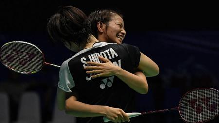 Yuki Fukushima/Sayaka Hirota (kiri) pasangan ganda putri Jepang yang mengalahkan Greysia Polii/Apriyani Rahayu di semifinal Japan Open 2018. - INDOSPORT