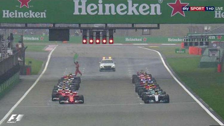 Posisi Start Formula 1 China. Copyright: Formula 1