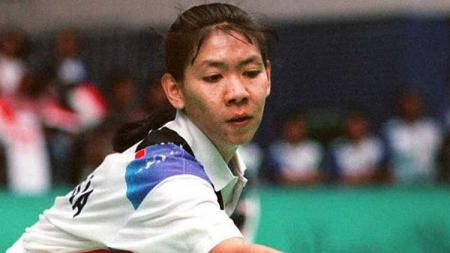 Susy Susanti pada laga Olimpiade semifinal melawan Korea Selatan Bang Soo-Hyun pada (30 Juli 1992). - INDOSPORT