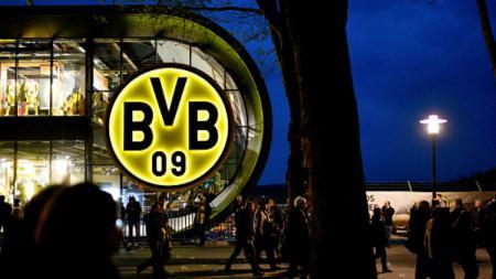 Skuat Borussia Dortmund mendapatkan aksi teror bom jelang lakoni laga Liga Champions. - INDOSPORT