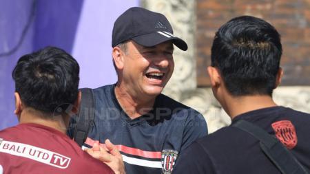 Pelatih Bali United di Piala Presiden 2018, Hans Peter Schaller. - INDOSPORT