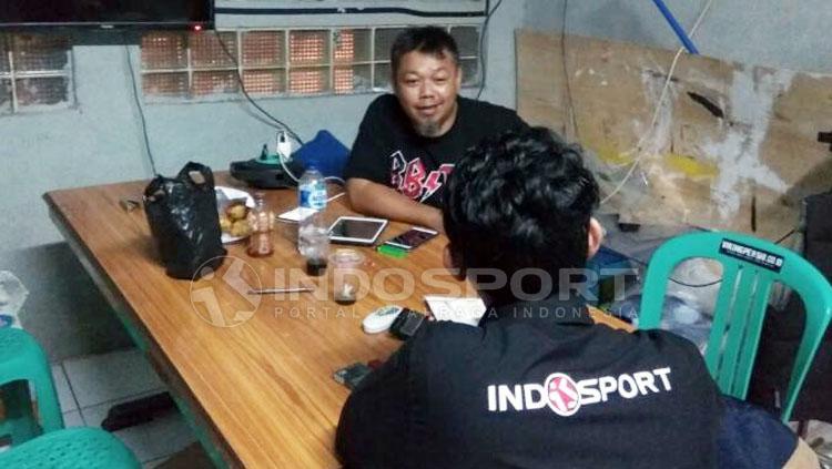Yana Umar, dirigen viking persib fans club Copyright: Gema Trisna Yudha/Indosport