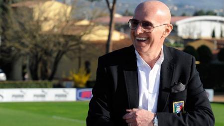 Arrigo Sacchi  mantan pelatih AC Milan. - INDOSPORT
