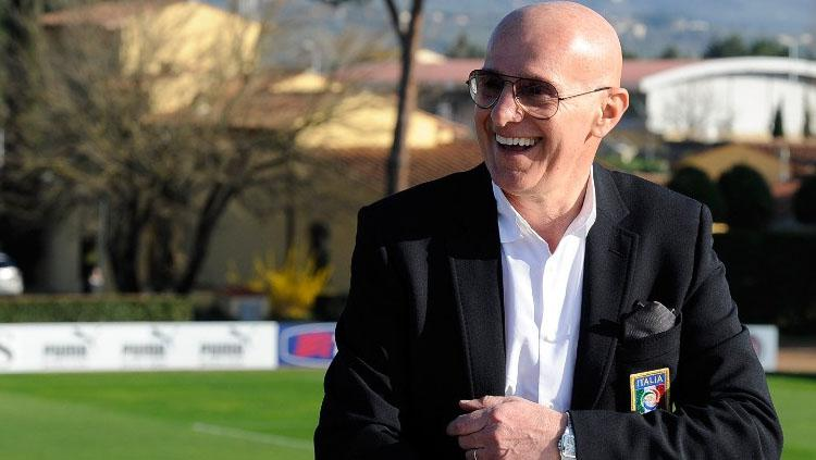 Arrigo Sacchi  mantan pelatih AC Milan. Copyright: Claudio Villa/Getty Images