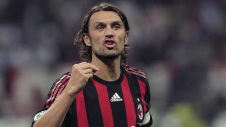 Paolo Maldini mengaku belum bisa melupakan kekalahan AC Milan dari Liverpool di final Liga Champions 2004-2005 silam. - INDOSPORT